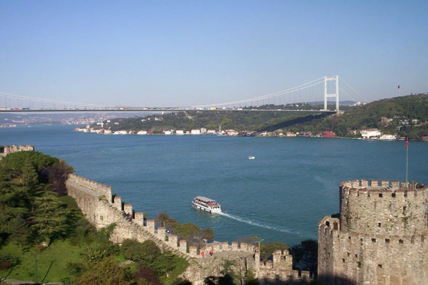 Bosphorus Cruise and Istanbul's Egyptian Bazaar